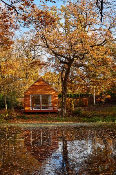 Hytterne ved skoven ligger i naturskønne omgivelser nær Gilleleje Badehotel.